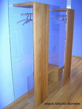 arbos gesund wohnen schlichte garderobe in praxis aus massiv eichenholz und glas. Black Bedroom Furniture Sets. Home Design Ideas